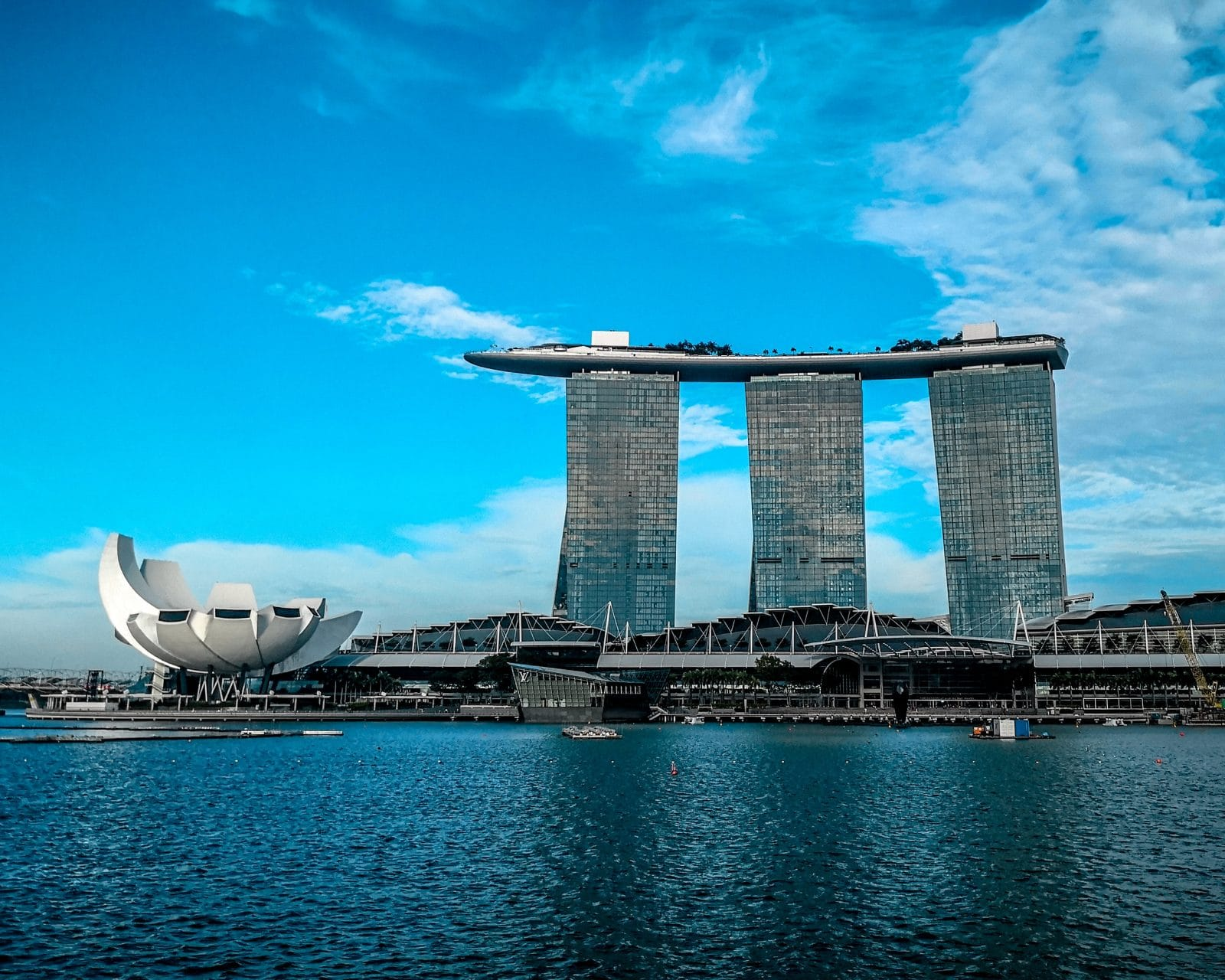 Singapore and Canada Central Banks Settle their First Blockchain Backed Cross-Border Remittances